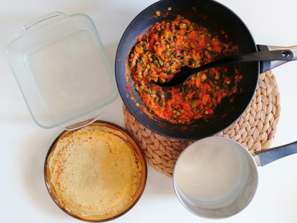 Izrada lasagna od palačinki i povrća