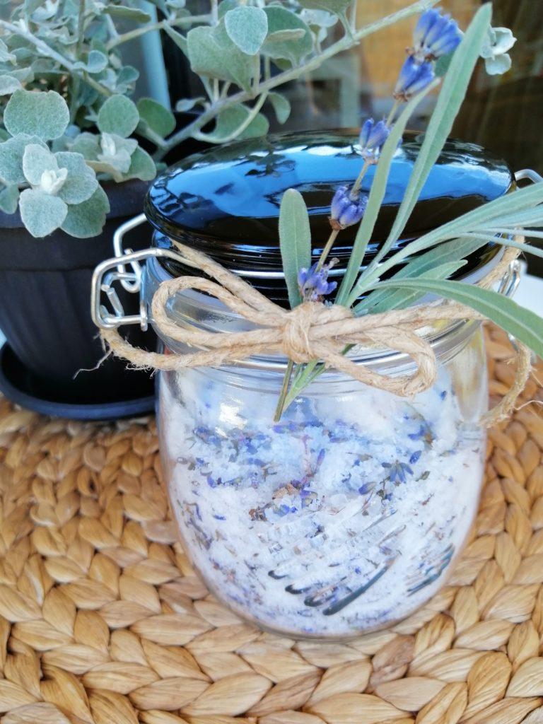Sol za kupanje od sušenih cvjetova lavande