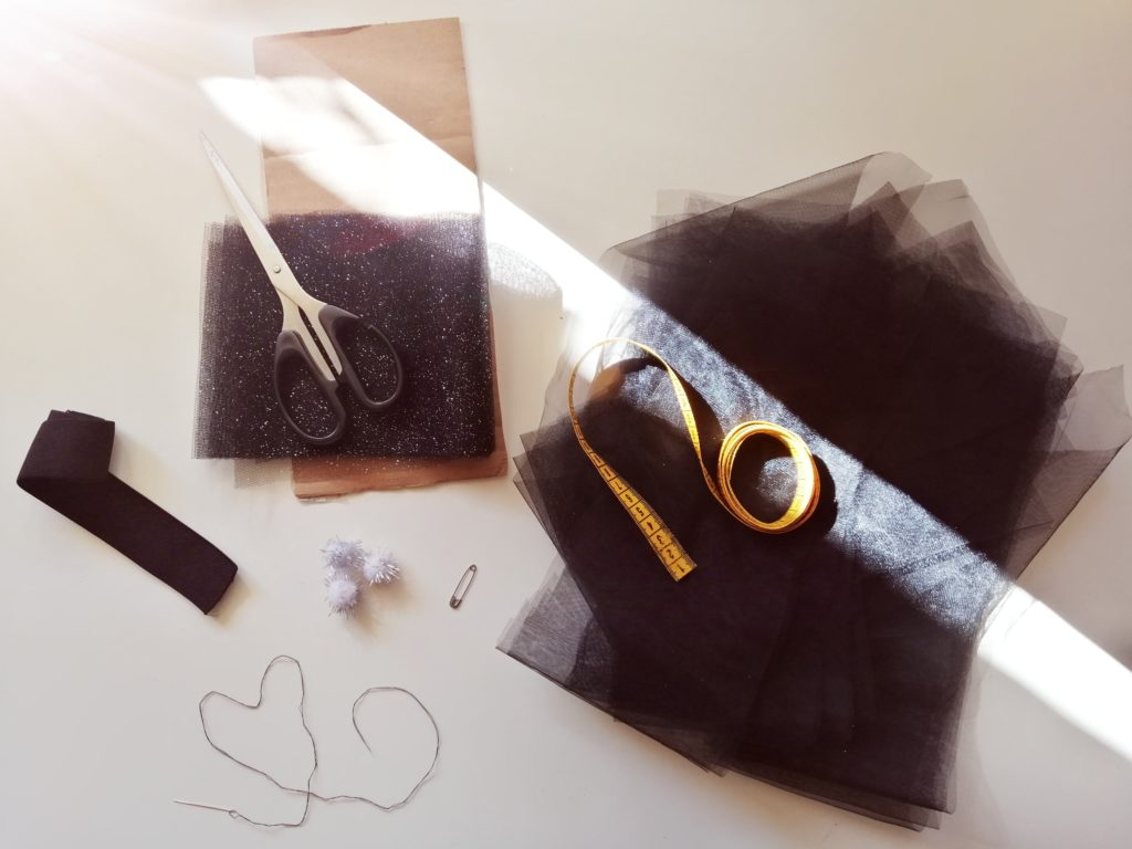 Pribor za izradu suknje bez šivanja