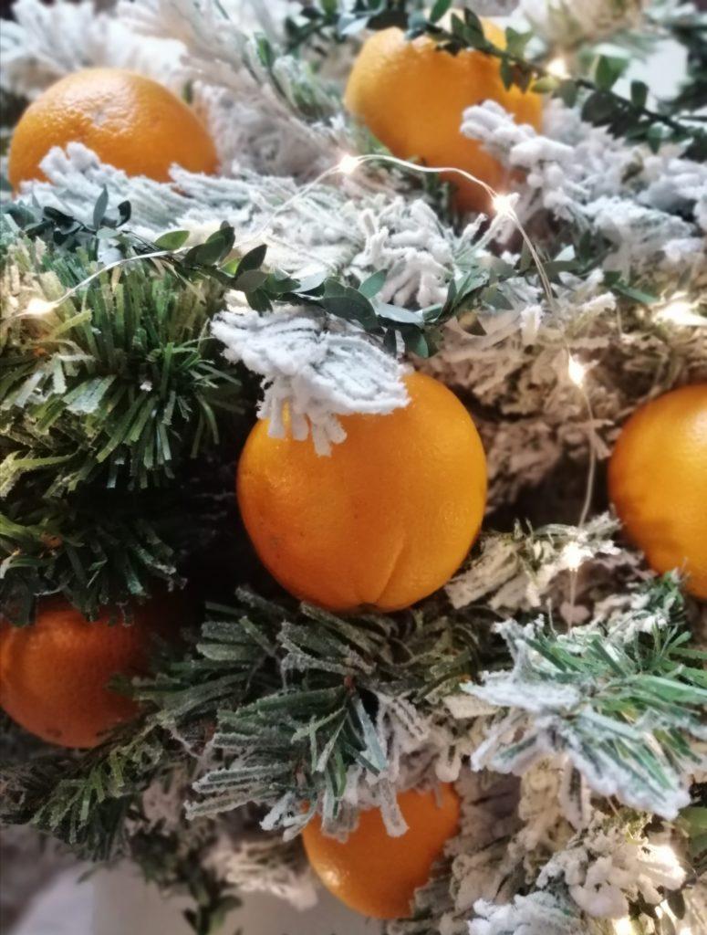 Naranče u božićnom izdanju