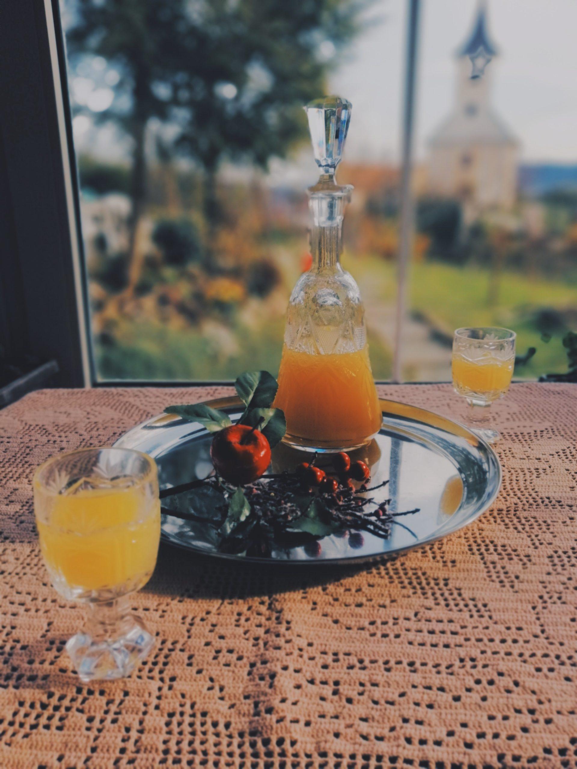 Slatko-gorki liker od naranči (brzi recept)