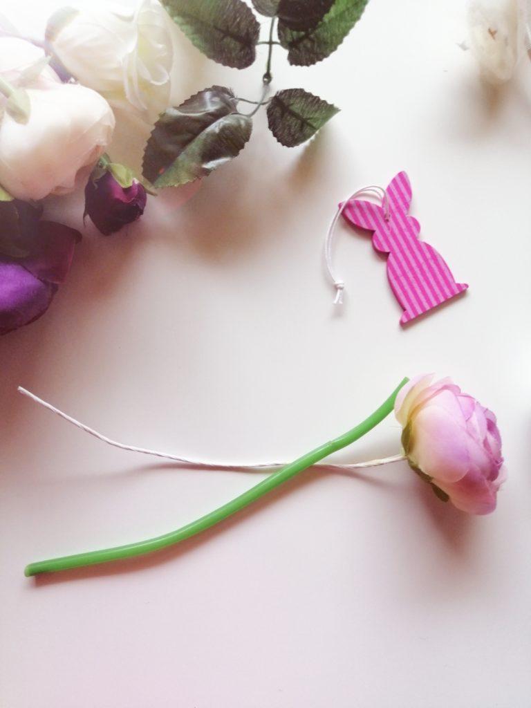 Odvojivi donji dio umjetnog cvijeća koji će nam poslužiti za izradu uha