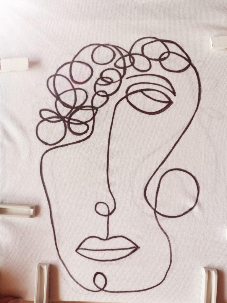 Kao što vidite, opet sam nacrtala malo drugačije nego na uzorku, nekako sam pustila da me malo nosi mašta :)