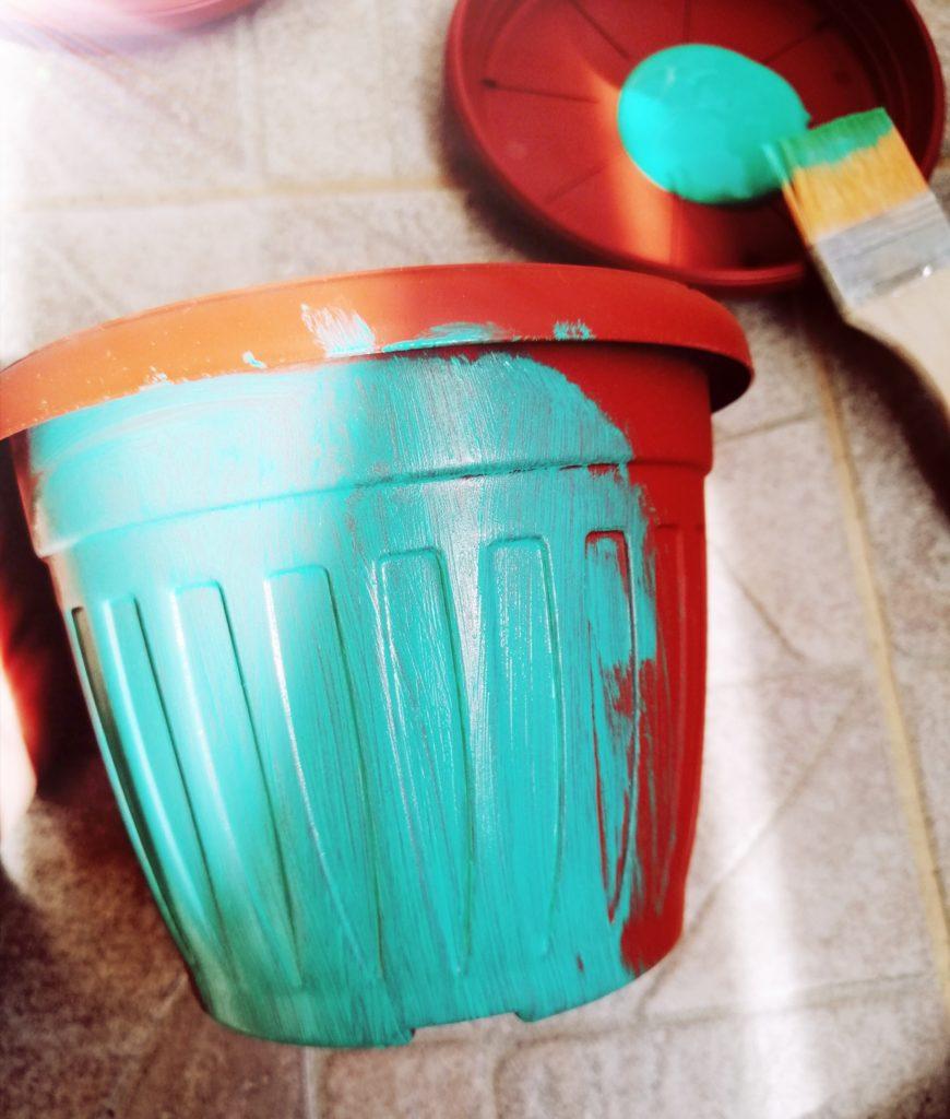 Prefarbavanje stare tegle u zelenu boju