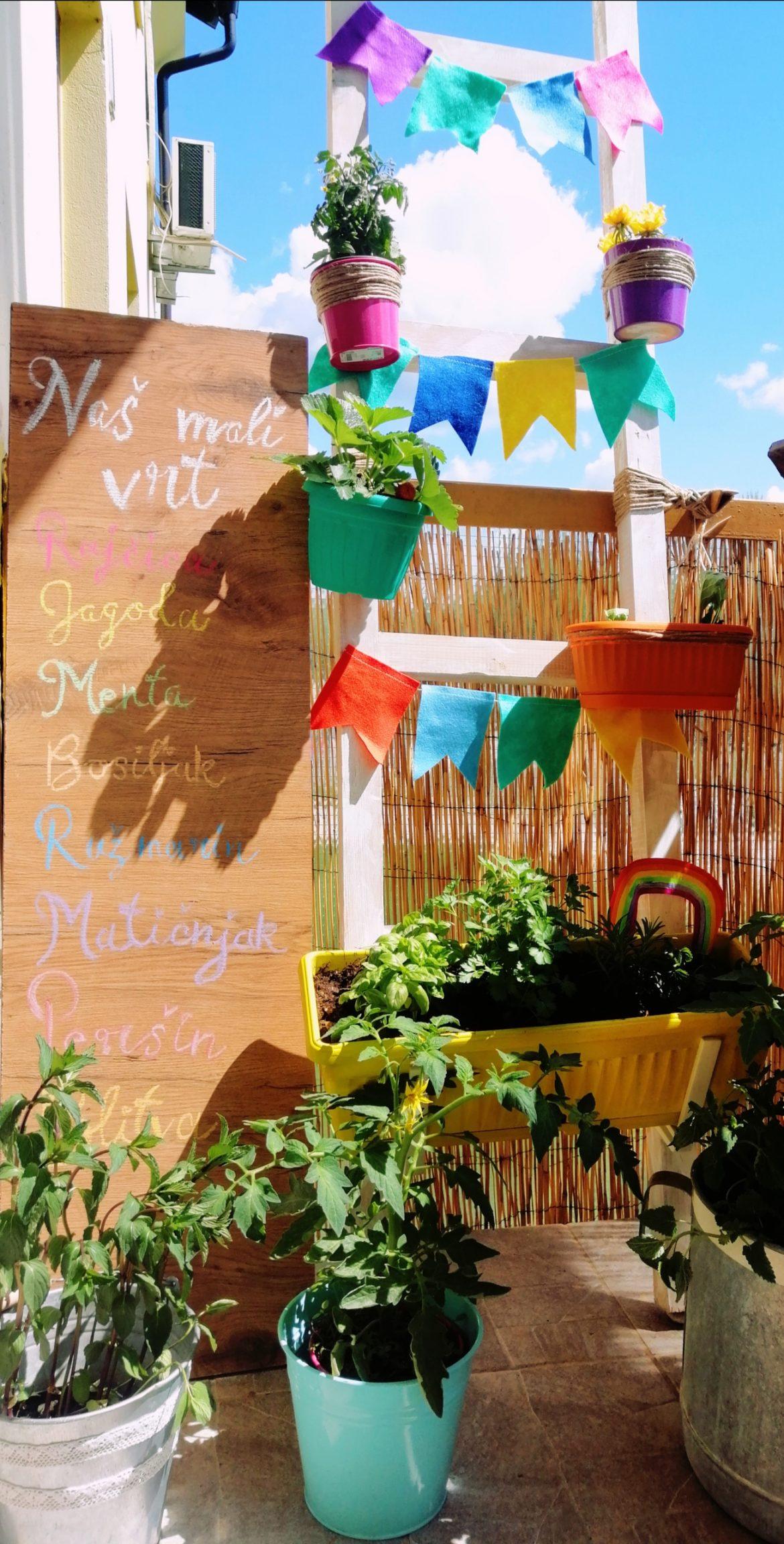 Kutak balkona pretvorite u mali vrt svoje djece